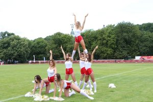 występ cheerleaders Bello Arto
